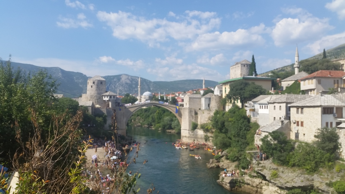 Blog: Escaping Germany for Bosnia via Flixbus, with a broken phone, to volunteer at a Hostel in Mostar (a diary entry)